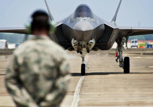 Overnight news that a JapaneseF-35 stealth fighter has gone missing over the Pacific Ocean.