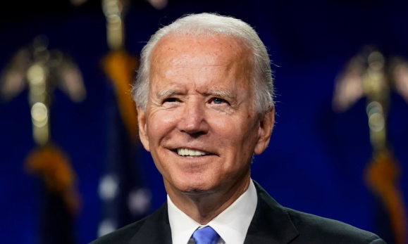 US President candidate Biden was travelling on a plane with a person who tested positive for the coronavirus.